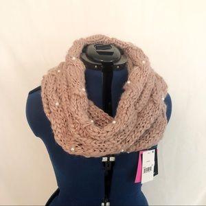 🆕NWT Betsey Johnson cowl scarf
